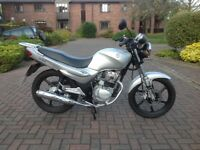 Great bike ideal for learning. Easy and comfortable to ride Selling as I have passed my test