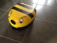NEW my carry potty (bumble bee)