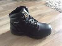 Dunlop Safety Boots - Size 6