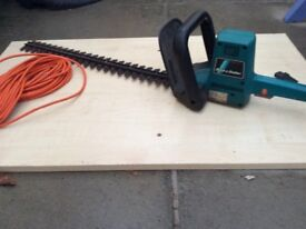 Black and Decker GS600 hedge trimmer