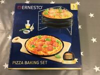 Pizza baking set, brand new and boxed, £5