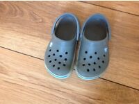 Geinune Crocs boys size 6 -7
