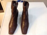 Rivas ladies brown leather ankle boot