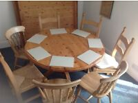 Round, Pine Dining Table.... Only., no chairs.