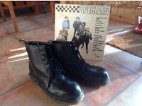 Size 9 Men's Dr Martens Boots Excellent Condition