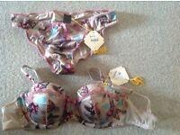 Janet Reger lingerie set, bra 32DD and pants size 10