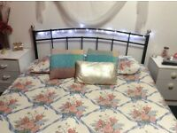 Kingsize metal bed with Matress