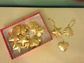 Gold metal tree decorations