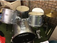 Drum kit - great for beginners