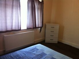 DOUBLE ROOM FOR COUPLES OR 2 GIRLS £ 160PW BILLS INCLUDED
