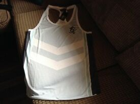 Gym king vest t shirt small