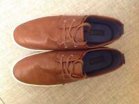 Burton Men's Size 10 Brown Leather Effect Plims