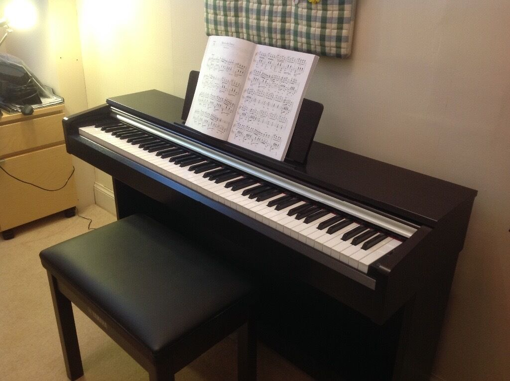 yamaha arius digital piano ydp 142r in comely bank edinburgh gumtree. Black Bedroom Furniture Sets. Home Design Ideas