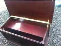 Stunning quality M&S St Michael toy box/ottoman/trunk,