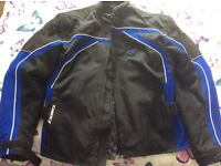 MENS IXON CARBONIC MOTORYCYLE / MOTORBIKE JACKET SIZE L GREAT CONDITION ONLY WORN A FEW TIMES