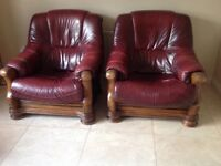 Dark Red 2+1+1 leather suite in oak frame in excellent condition