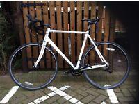 Eastway R4.0 Road Bike plus accessories