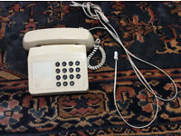 Free - simple telephone with large keys