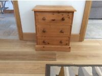 Pine bedside cabinet/table chest of drawers