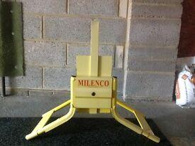 Milenco Original Wheelclamp.