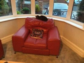 Red leather settle for sale good condition