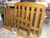 Cot / bed in pine wood