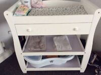 O'baby white baby changer
