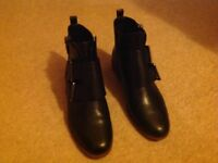 Clarks boots size 5.5
