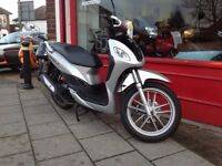 SYM SYMPHONY 125 S SCOOTER IN FANTASTIC CONDITION DELIVERY INTIME FOR CHRISTMAS