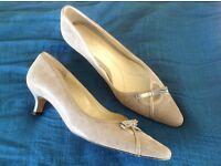 Van Dal Loren Taupe Lizard Shoes Size 8