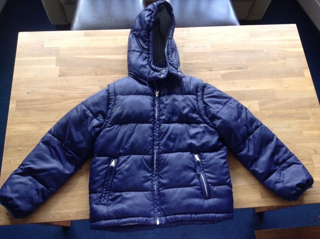 81bc29d1e8af Mini Boden Coat with zip-off sleeves age 9-10