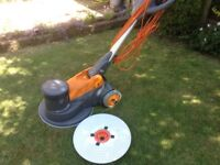 Taski Ergodisc 400 Floor machine. Great condition, used four times only. Drive plate included.