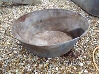 Medium size vintage galvanised tin bath. Ideal as garden planter.