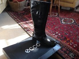 ECCO ladies boots size 42