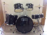 7 piece drum kit. Excellent condition! Tornado by mapex