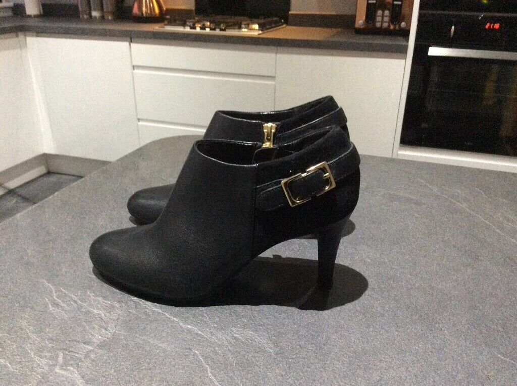 8c8c0de8d2b8 Ladies Lotus Shoe/Boots Size 3 | in Helensburgh, Argyll and Bute | Gumtree