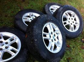 Land Rover Discovery 3 wheels and tyres