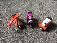 Thomas take n play set of 3 trains