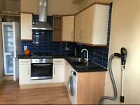 3 bed flat in Battersea on Queens Town Rd SW8 DSS excepted