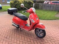 Vespa gts 250 scooter