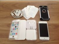 Apple iPod touch 32gb. 5th generation. In excellent condition.