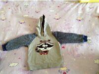 Raccoon design hoodie size 92