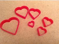 6 Plastic Heart Shaped Food Cutters different sizes
