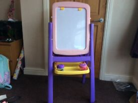 Children's painting easel