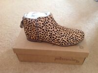 Brand new in box Boden ankle boots size 39 (uk6)