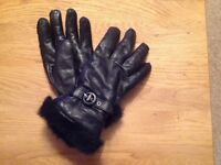 Ladies leather gloves with faux fur trim
