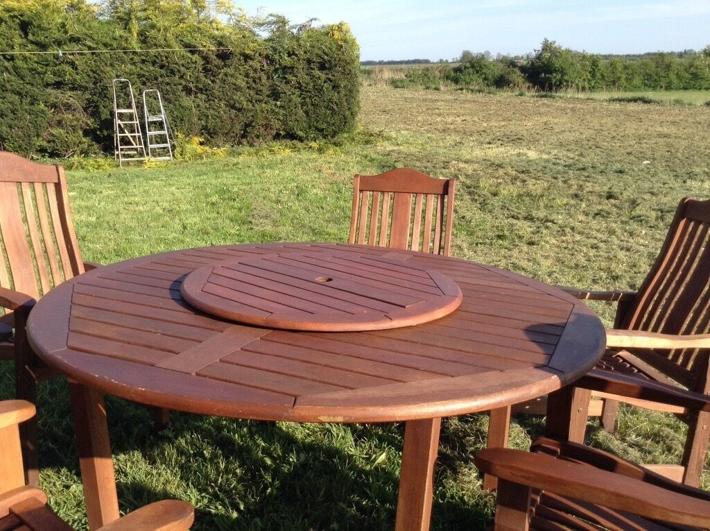 Large Round Solid Wood Garden Table 6 Chairs In
