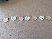 Heart string photo frame