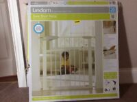 Lindam pressure fit child safety gate