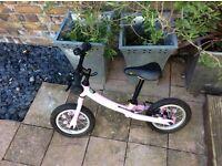 Girls pink zooom balance bike